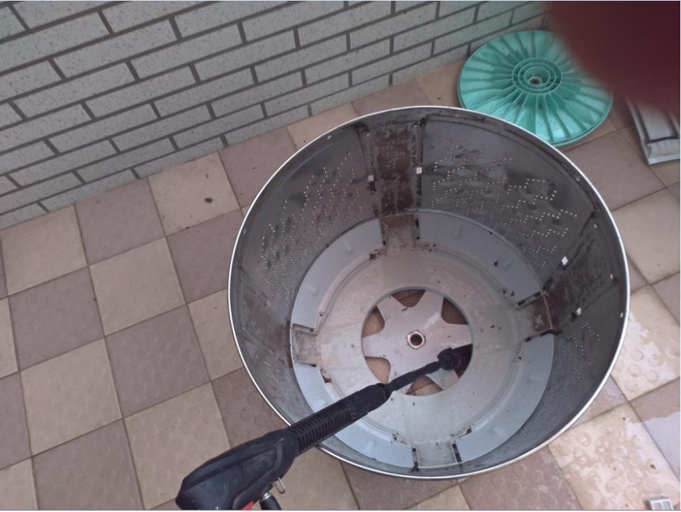 洗衣機底部髒汙